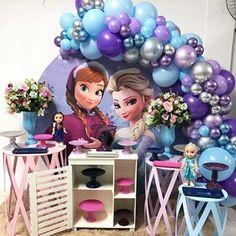 The Cutest Anna and Elsa Birthday! Frozen Themed Birthday Party, Disney Frozen Birthday, Girl 2nd Birthday, Birthday Party Themes, Frozen Birthday Decorations, Festa Frozen Fever, Frozen Pinata, Free Images, Frozen 2