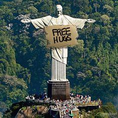 """Mi piace"": 73.8 mila, commenti: 491 - StreetArtGlobe (@streetartglobe) su Instagram: ""...Free hugs.... By @egeislekel Follow @urbanspoon"""