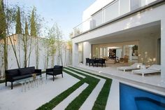 Mansfield House by Amit Apel