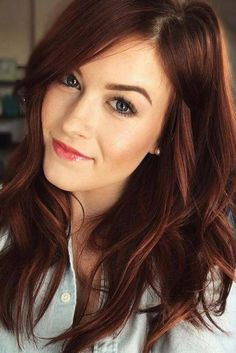 45 Auburn Haarfarbe Ideen, um natürlich auszusehen- Kastanienbraune Streifen … 45 Auburn hair color Ideas to look natural – maroon stripes with dark roots ❤️ A maroon hair color is the trend of Are you looking for… Continue Reading → Hair Color 2017, Red Hair Color, Hair Color Balayage, Cool Hair Color, Brown Hair Colors, Red Color, Hair Streaks, Golden Color, Haircolor