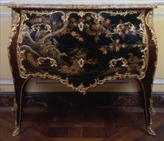 Commode by Jacques Dubois, with a Coromandel Lacquer decor, from Carnavalet museum, Paris European Furniture, Italian Furniture, French Furniture, Art Furniture, Furniture Styles, Luxury Furniture, Antique Furniture, Painted Furniture, Musee Carnavalet