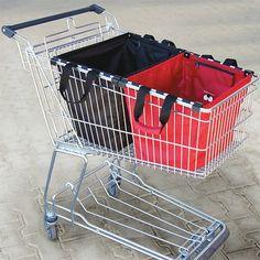 Essas sacolas são bem práticas no supermercado .