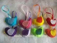 temos em varias cores eles são usados p/ decoração de arvores, festa infantil,lembrancinhas maternidade etc.... R$4,50