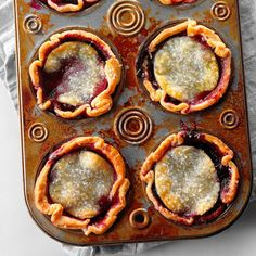 Blueberry lovers, this one's for you! From pies and cobblers to ice cream and muffins, these blueberry desserts put these berries to work. Mini Blueberry Tarts, Blueberry Desserts, Mini Desserts, Easy Desserts, Dessert Recipes, Blackberry Recipes, Fruit Dessert, Pie Dessert, Cookie Desserts