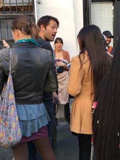 Pia @TheDoctorMisha Super busy but still so sweet to fans