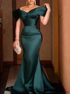 African Wear Dresses, Latest African Fashion Dresses, African Evening Dresses, African Bridesmaid Dresses, Lace Dress Styles, Dress Vestidos, Sexy Party Dress, Classy Dress, Designer Dresses