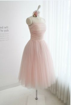 2013 popular baby pink strapless open back knee length short ruched tulle organza bridesmaid dress US $72.59