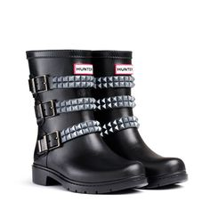 Festival stud short in black and gunmetal, hmmm- probably the only rain boots I would actually wear Wellies Boots, Hunter Rain Boots, Rain And Snow Boots, Festival Wellies, Festival Boots, Festival Style, Festival Outfits, Studded Shorts, Kids Boots