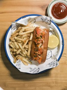 Best LA restaurants- Connie and Ted's in West Hollywood serves up a fresh lobster roll with a side of fries -- it's a West Coast homage to the Rhode Island clam shack. Photo by Misha Gravenor. Los Angeles Restaurants, Great Restaurants, West Hollywood Restaurants, Coast Restaurant, Fresh Lobster, Taste Buds, Rhode Island, Pulled Pork, Places To Eat