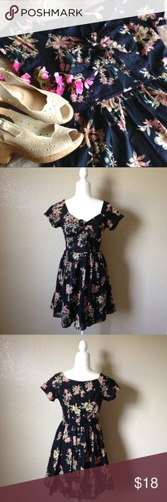 Retro Floral Lightweight Cotton Skater Dress Super cute retro style skater / fit and flare dress from F21, black with pastel floral print, features lightweight cotton material, tie up bust detail, short sleeves and back invisible zipper. Gently used, size M. I happily entertain reasonable offers 😊🌸 Forever 21 Dresses Mini