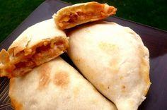 Pupusas bögrésen, tepsiben – Rupáner-konyha Empanadas, Food And Drink, Pizza, Cooking, Ethnic Recipes, Blog, Vintage Fashion, Eat, Food Items