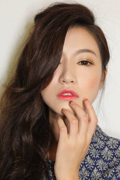 The Lipstick Trend Korean Girls Are Crazy For #refinery29 http://www.refinery29.com/korean-gradient-lip-trend#slide7 Here's the finished look. See how blurring out the lines of the lip with the concealer really makes the color pop?