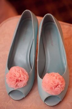 Coral wedding ideas, grey and coral shoes Coral Shoes, Teal Coral, Grey And Coral, Coral Color, Bridal Shoes, Wedding Shoes, Wedding Grey, Wedding 2017, Bridal Gown