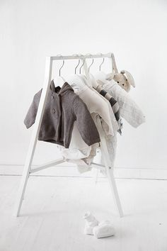 DIY: Liten klädhängare för söta små babyplagg