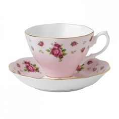 Royal Albert New Country Roses Pink Vintage Teacup and Saucer ($32) ❤ liked on Polyvore featuring home, kitchen & dining, drinkware, cups, teacups, pink cups, vintage saucer, vintage tea cups, royal albert teacup and rose bone china