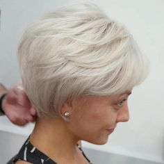 White Blonde Bob for Fine Hair Long Ash Blonde PixieLong Ash Blonde Pixie Bob Hairstyles For Fine Hair, Haircuts For Fine Hair, Short Hairstyles For Women, Cool Hairstyles, Layered Hairstyles, Pixie Haircuts, Blonde Hairstyles, Hairstyles Haircuts, Natural Hairstyles