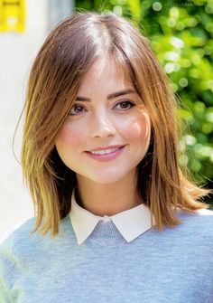 """Jenna Coleman and Peter Capaldi filming Face the Raven, which came out three years ago.""""What's been really remarkable about filming this is given how heavy going it is, it's a complete emotional marathon, I think for everybody involved, is how light. Hairstyles With Bangs, Trendy Hairstyles, Girl Hairstyles, Short Haircuts, Birthday Hairstyles, Beautiful Hairstyles, Kids Hairstyle, Round Face Haircuts, Black Hairstyles"""