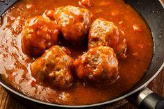 Meatballs in Tomato Sauce Recipe Spicy Italian Meatball Recipe, Italian Meatballs, Meatball Recipes, Tomato Sauce Recipe, Spicy Sauce, Sauce Recipes, Pasta Recipes, Tapas Recipes, Cooking Recipes