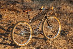 Beautiful Bicycles on The Radavist | A group of individuals who share a love of cycling and the outdoors. Single Speed Mountain Bike, Tig Welder, Mountain Bike Frames, Mtb Trails, Machine Photo, Motorcycle Types, Vintage Bikes, Road Bikes, Custom Bikes
