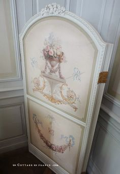 Nohant Maison de George Sand chambre de sa grand-mère 2 George Sand, Berries, Decorative Boxes, Shabby Chic, Manor Houses, Pink, Cottage, France