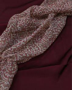 Бренд #DariaBardeeva сотрудничает только с лучшими итальянскими производителями тканей. На фото креп шифон из коллекции #SS17 #BirdsOfChange 🐚🌿🌸 ул. Большая Дмитровка, 9 📍 +7(926) 050-22-88