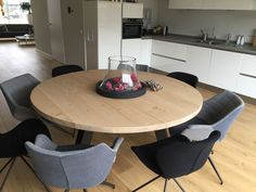 Co Housing, Dining Room, Dining Table, Home Goods, Sweet Home, New Homes, House Design, Interior Design, Chair