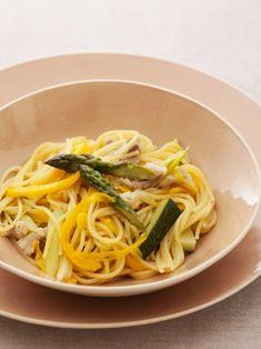 パスタの別茹ではなし! フライパン一つで作る省エネパスタレシピ。 『ELLE a table』はおしゃれで簡単なレシピが満載!