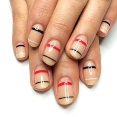 Fun idea, and rather understated. Should try this out sometime. | #gelnail #nails #nailart
