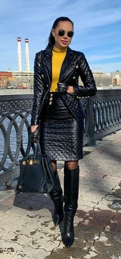 Leather Dresses, Leather Skirt, Sexy Outfits, Fall Outfits, Suit Fashion, Womens Fashion, Leder Outfits, Leather Gloves, Suits For Women