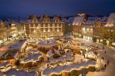 Weihnachtsmarkt in Coburg, Bayern. Besonders romantisch im Winterkleid ... vielleicht sieht es 2016 wieder so zauberhaft aus?