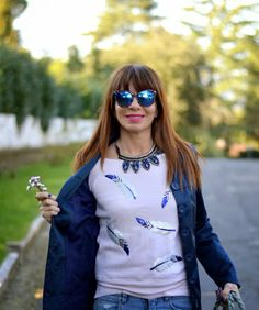 Don't Call Me Fashion Blogger!: Blue feathers