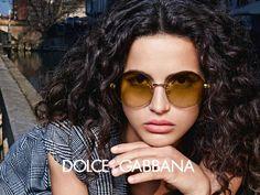 Chic and retro Dolce Gabbana women eyewear for this winter - Chic et rétro les lunettes Dolce Gabbana femmes de cet hiver Legrand, Portraits, Winter Chic, Dolce Gabbana, Eyewear, Round Sunglasses, Black Lights, Retro, Princesses