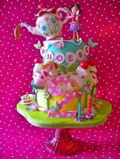 A fun & cute little girlie cake:-)