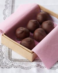 Jacques Pépin flavors truffles with many ingredients, but he is especially fond of the coffee-rum combination in this recipe. More Desserts by Jacques Pépin Party Desserts, Just Desserts, Delicious Desserts, Holiday Desserts, Yummy Food, Candy Recipes, Wine Recipes, Cookie Recipes, Bar Recipes