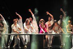 オペラ座の怪人の巨匠アンドリューロイドウェバーのデビュー作が新演出で日本初上陸