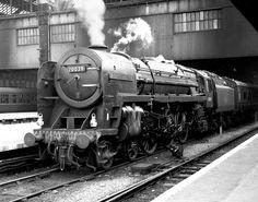70039 Sir Christopher Wren Steam Trains Uk, Steam Railway, Liverpool Street, Abandoned Train, British Rail, Steam Locomotive, Britain, Transportation, Genealogy