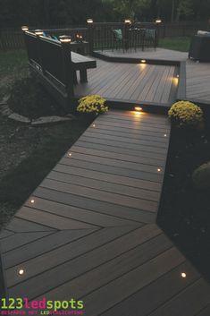 123ledspots.nl   LED inbouw spotjes in je vlonder. Een romantische manier om je wandelpad te verlichten.