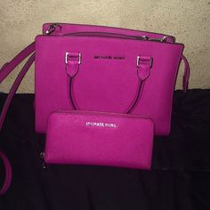 MK satchel with matching wallet. in very good condition! only used once. Michael Kors Bags Satchels