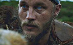 Ragnar Lothbrook, Ragnar Lothbrok Vikings, Vikings Tv, Viking Warrior, Travis Fimmel, Famous Men, Reading Room, A Good Man, Jon Snow