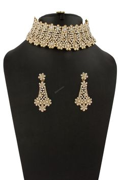Buy Designer Golden Necklace With Jhumka & Earrings - Explore the jewellery section to get desired necklace & pendant sets for parties and occasions by Andaaz Fashion. Indian Jewelry Sets, Indian Jewellery Online, Indian Wedding Jewelry, Bridal Jewelry Sets, Golden Necklace, Indian Necklace, Earrings With Price, Necklace Online, Matching Necklaces
