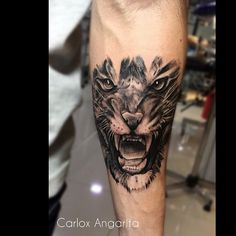 Tatuaje de hoy hecho en @ysh_tattoo @radiantcolorsink @inkmachines_christian @sorrymomtattoo @tattoo_concept_ #carloxtattooartist #carloxangarita #inkeeze #tiger #tigertattoo @timelinegallery