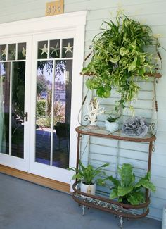 I want a vintage plant stand like this one!