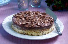 Stratoskake – også en kake for deg med glutenallergi Pudding Desserts, Party Desserts, Gluten Free Cakes, Gluten Free Desserts, Norwegian Food, Baking Cupcakes, Let Them Eat Cake, Cake Cookies, No Bake Cake