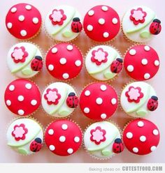 Ladybug cupcakes!  These make me smile!!  Thanks cutest food . com!