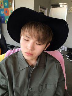 sleepy jihoonie