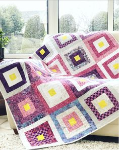 Island Batik Log Cabin Blog Hop – Unicornharts Log Cabin Designs, Light Pink Color, Woven Fabric, Sewing Projects, Colours, Island, Quilts, Blanket, Blog