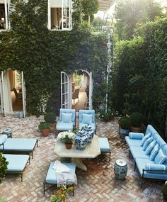 The loveliest patio courtyard. What do you think of all the vines and greenery?… The loveliest patio courtyard. 🌿 What do you think of all the vines and greenery? Could you live here? Tag a friend who could!