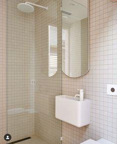 Cottage Bathroom Design Ideas, Bathroom Interior Design, Home Interior, Bathroom Ideas, Australian Interior Design, Interior Design Awards, Bad Inspiration, Bathroom Inspiration, Bathroom Red
