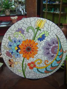Resultado de imagen para Mosaic dog by Solange Piffer Mosaic Planters, Mosaic Birdbath, Mosaic Tray, Mosaic Flower Pots, Mosaic Wall Art, Mosaic Drawing, Mosaic Stepping Stones, Stone Mosaic, Mosaic Glass