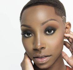 M/Mua: @ericaxoxo  Ph: @ezratheprofessional  Dm or email for rates and booking  #soofficial #houseofshoots #powershootreunion #model #beauty #sexy #natural #feminine #elegant #art #beautiful #headshot #beautyshot #hair #mua #makeup #photoshoot #atl #atlmodel #atlantamodel #atlphotographer #melanin #naturalbeauty #work